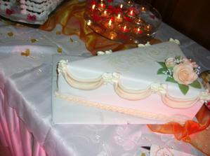 Karamelová s marcipánom od úžasnej cukrarky so zlatými ručickami