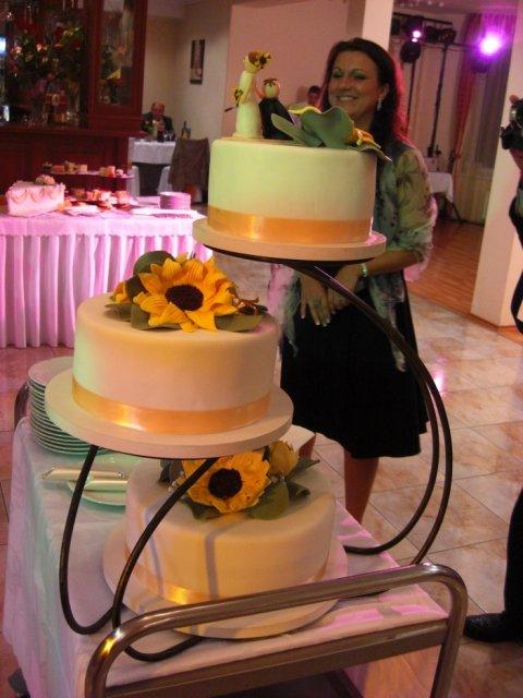 19.9.2008 Podhájska a co sme mali - hlavna torta v akcii :)
