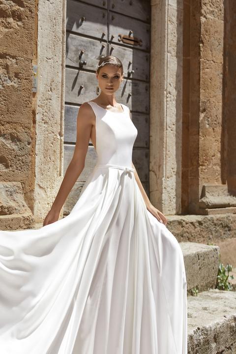 2dabbc362dc8 Weda Collection 2019 - nové svadobné šaty na predaj za skvelé ceny -  Cassandra -