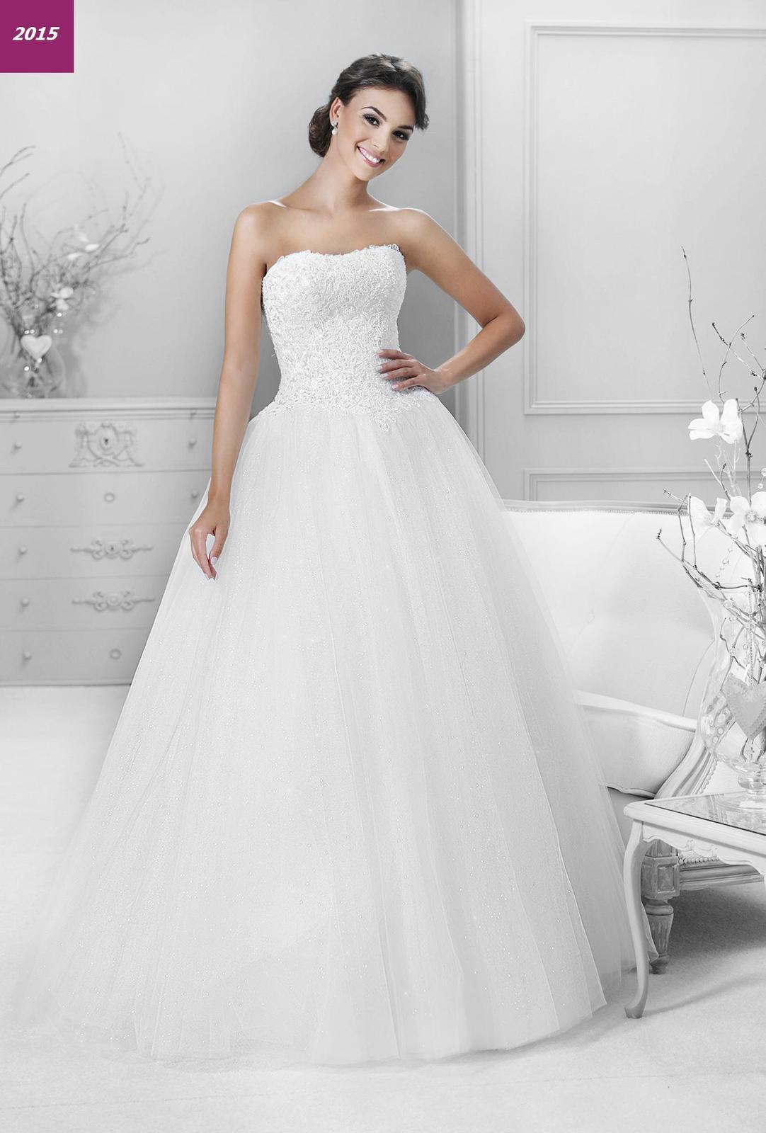 98950cb2791b esaty Podobný model je hitom kolekcie 2015 od Agnes Bridal Dream - KA14320