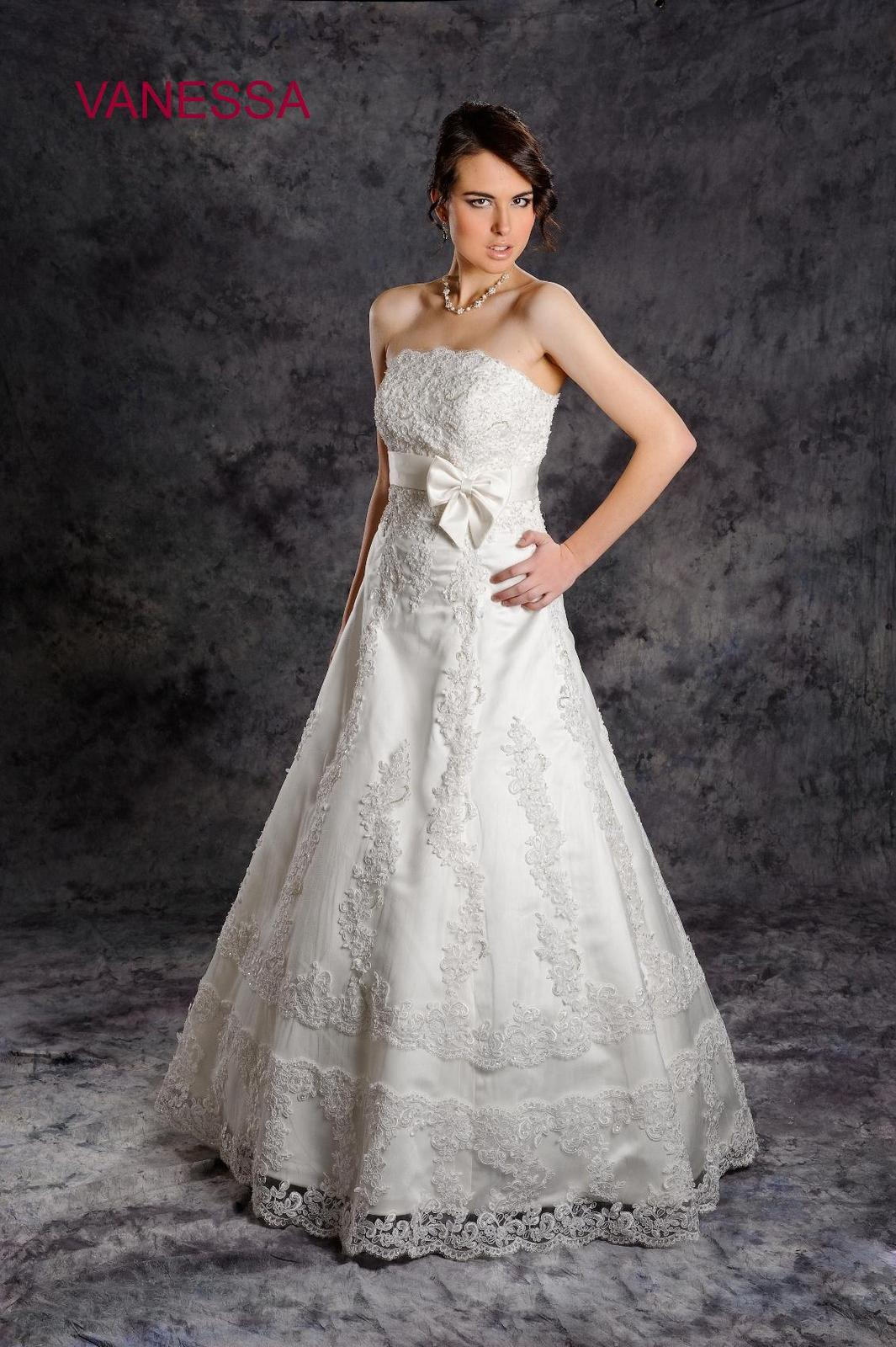 Svadobné šaty Vanessa, jediný kus vo výpredaji - Obrázok č. 1