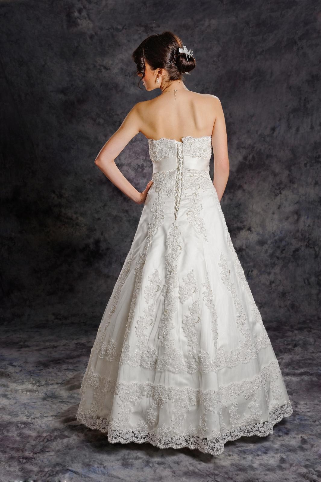 Svadobné šaty Vanessa, jediný kus vo výpredaji - Obrázok č. 2