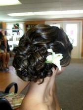 vo vlasoch kvet,taky ako v kytici