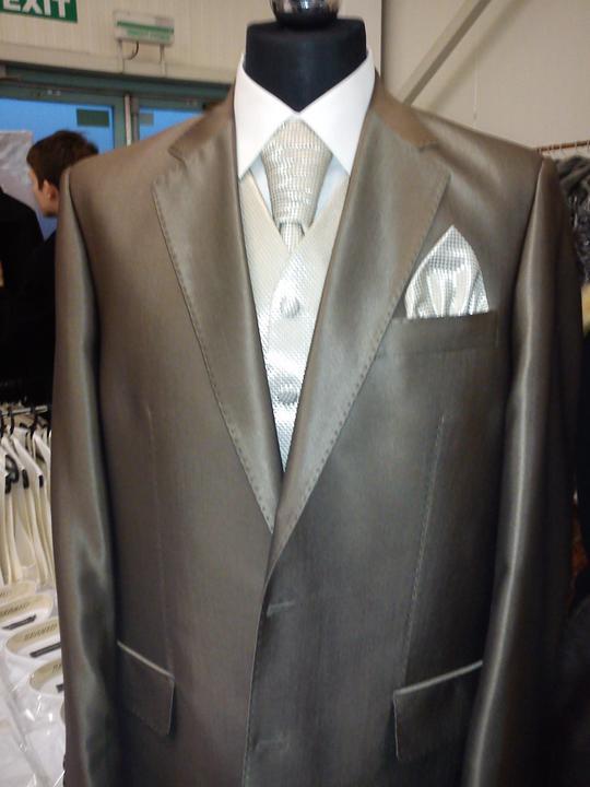 L&M - oblek je už doma