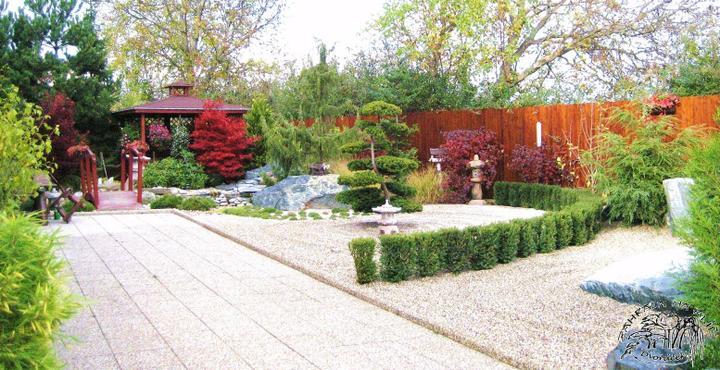 Plány pre našu budúcu záhradu - krásny plotík z krušpánu na tých kamienkoch nádherne vynikne