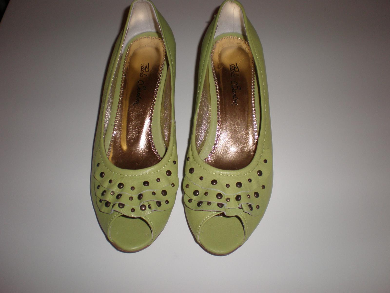 Co máme na naši svatbičku - zelené botky