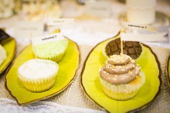cupcakes :-) vanilkové a čokoládové