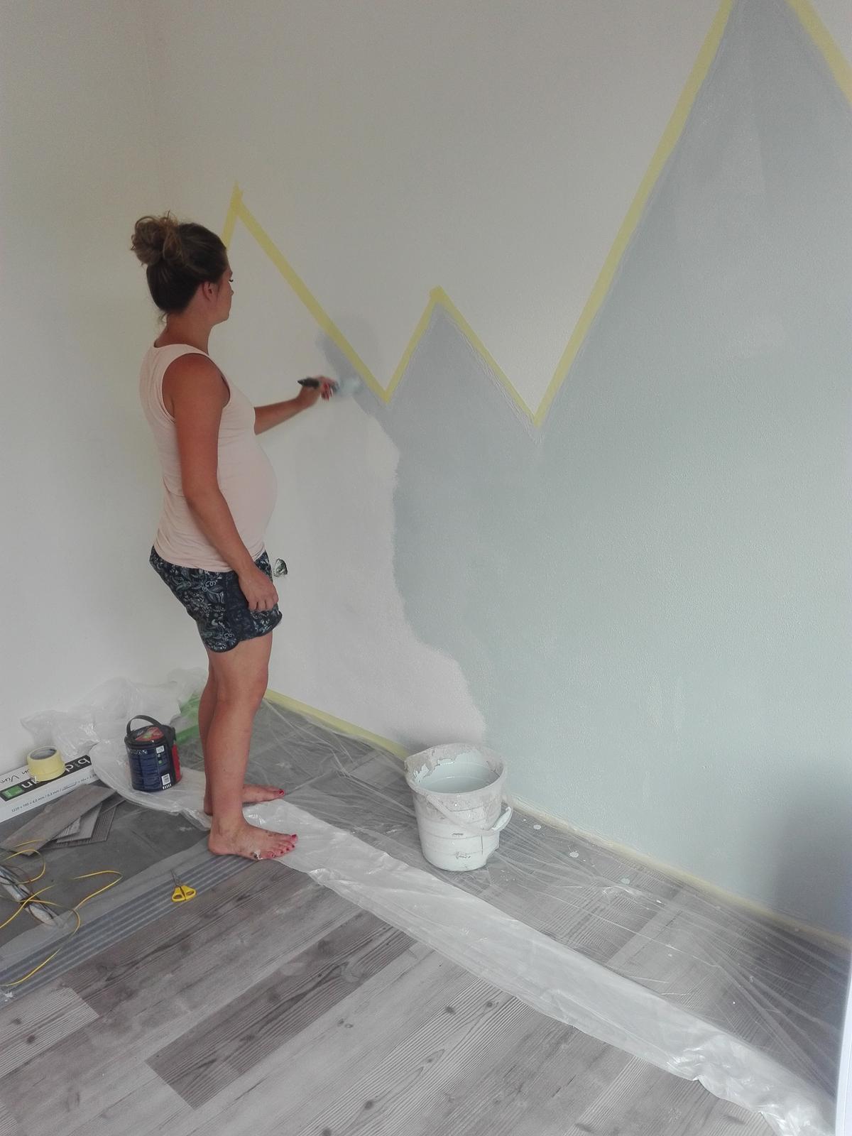 Naše chaloupka a zahrádka - položila jsem podlahu u Fanyho a vrhla se na malování 💕➕