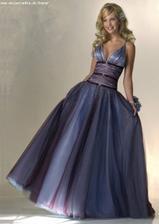 tak toto sú fakt krásne šaty ... len ten výstrih