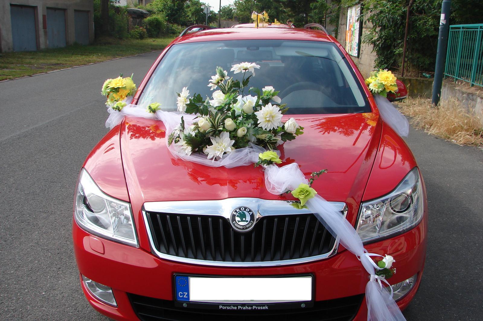 Klobouk a květina na svatební auto - Obrázek č. 1