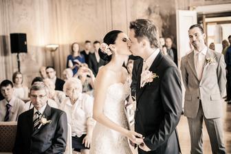 Nyní polibte nevěstu :-)