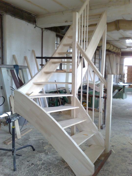 Stolarske vyrobky - samonosne schody