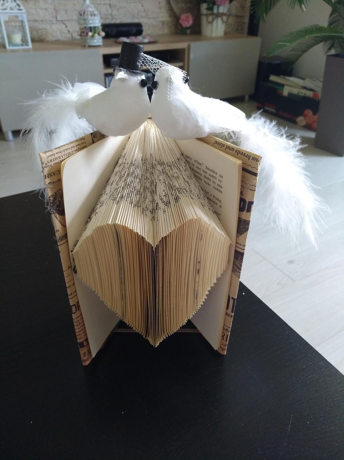 Ručne skladaná  kniha - srdce  - Obrázok č. 1