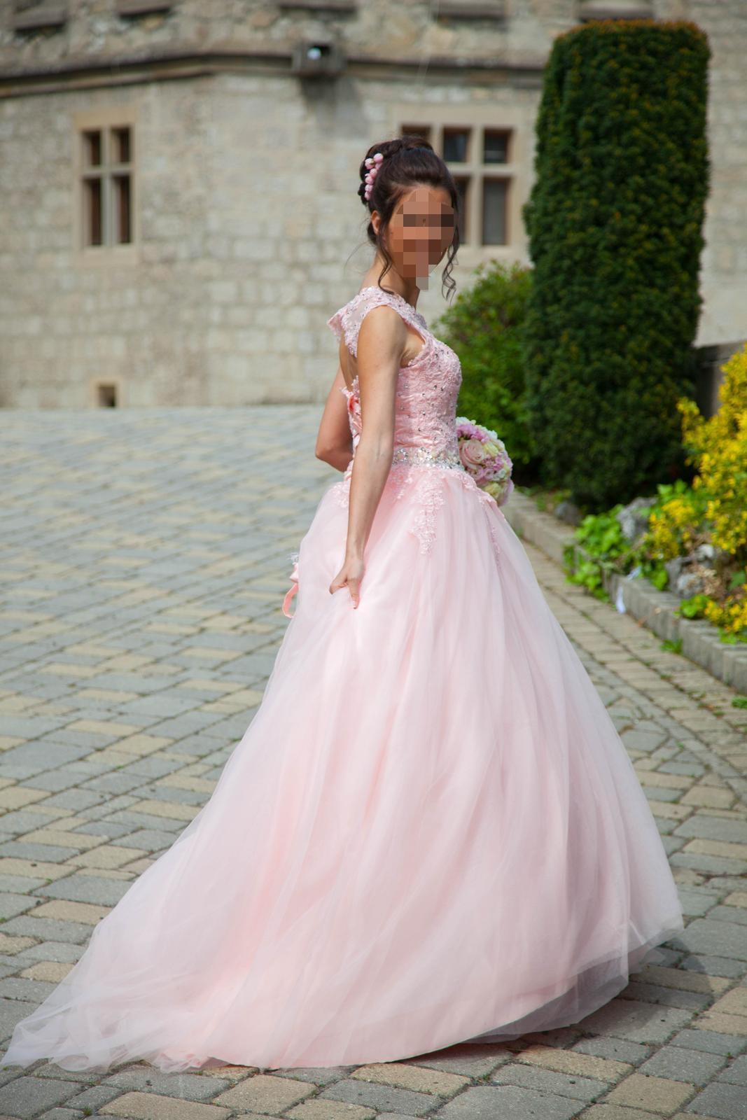 bledoružové  svadobné šaty - Obrázok č. 1