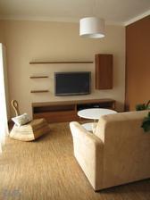 Konečně máme obýváček. Ještě nějaký obraz a pár dekorací a je hotovo.