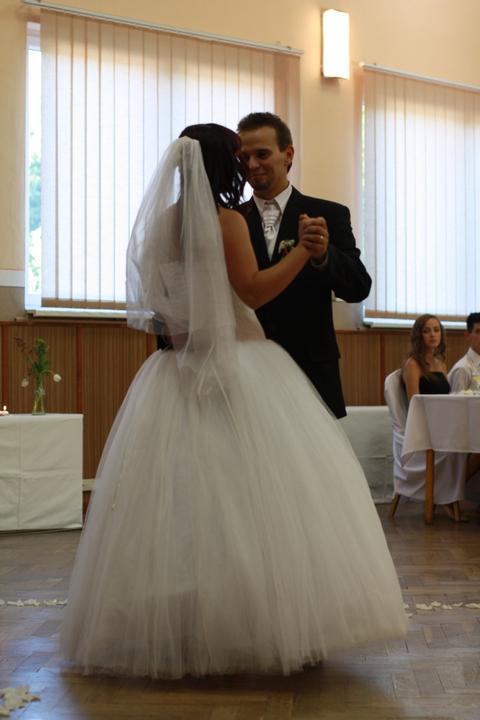 Monika {{_AND_}}Peťko - prvý tanček.....Per Gessle - I Like It Like That...krásna pieseň s ešte krásnejším textom