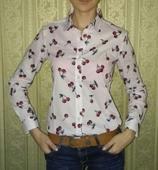 dámska košeľa s čerešničkovou potlačou, 38
