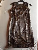 čierne puzdrové šaty s potlačou, 44