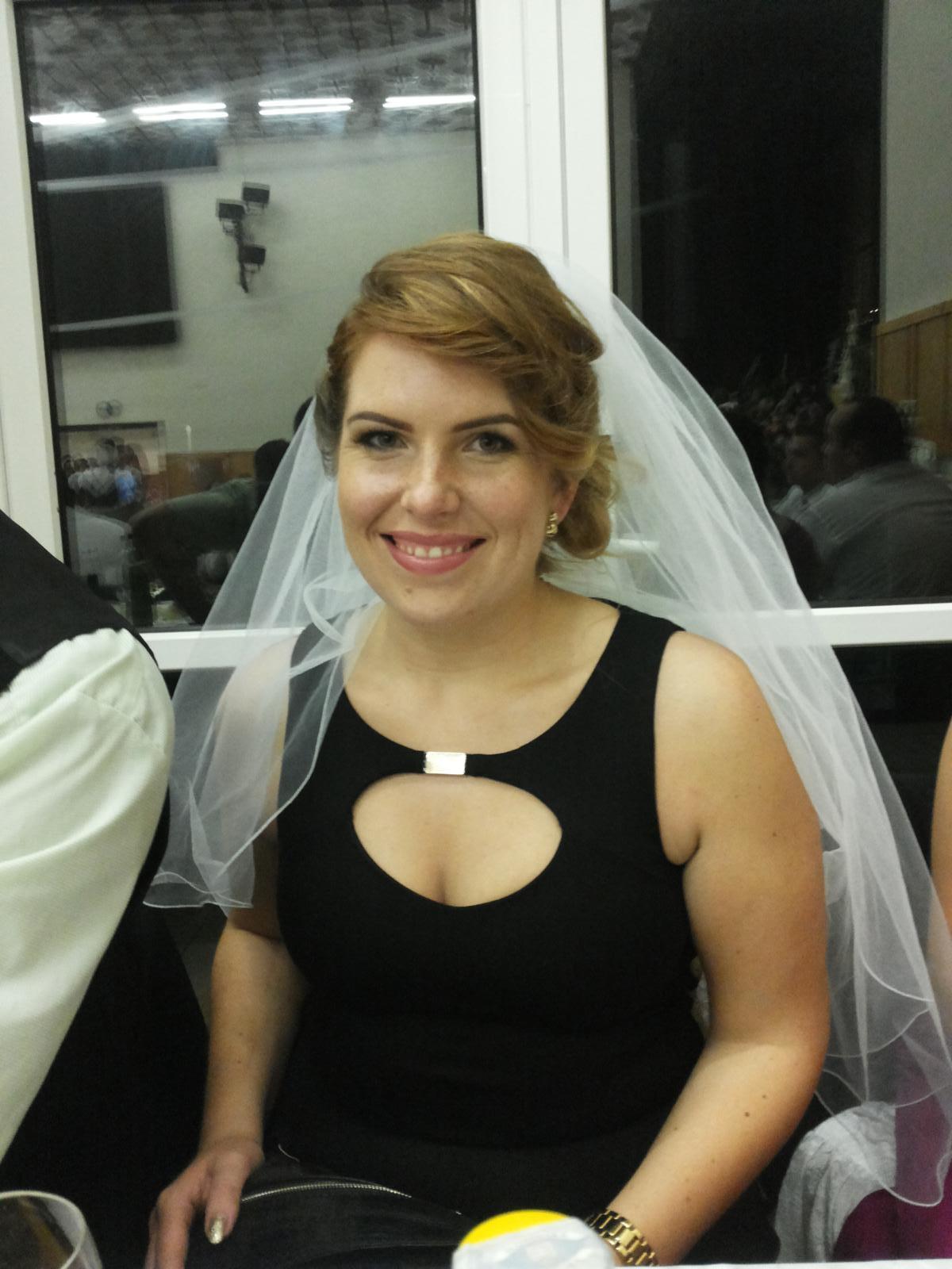 A slecna sa moze vydavat.Boli sme na super svadbe a pocas odcepcenia som dostala zavoj,lebo budem dalsia nevesticka v poradí... :) :) - Obrázok č. 1