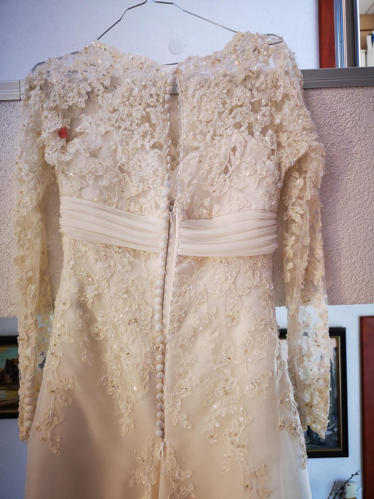 Svadobne šaty - Obrázok č. 4