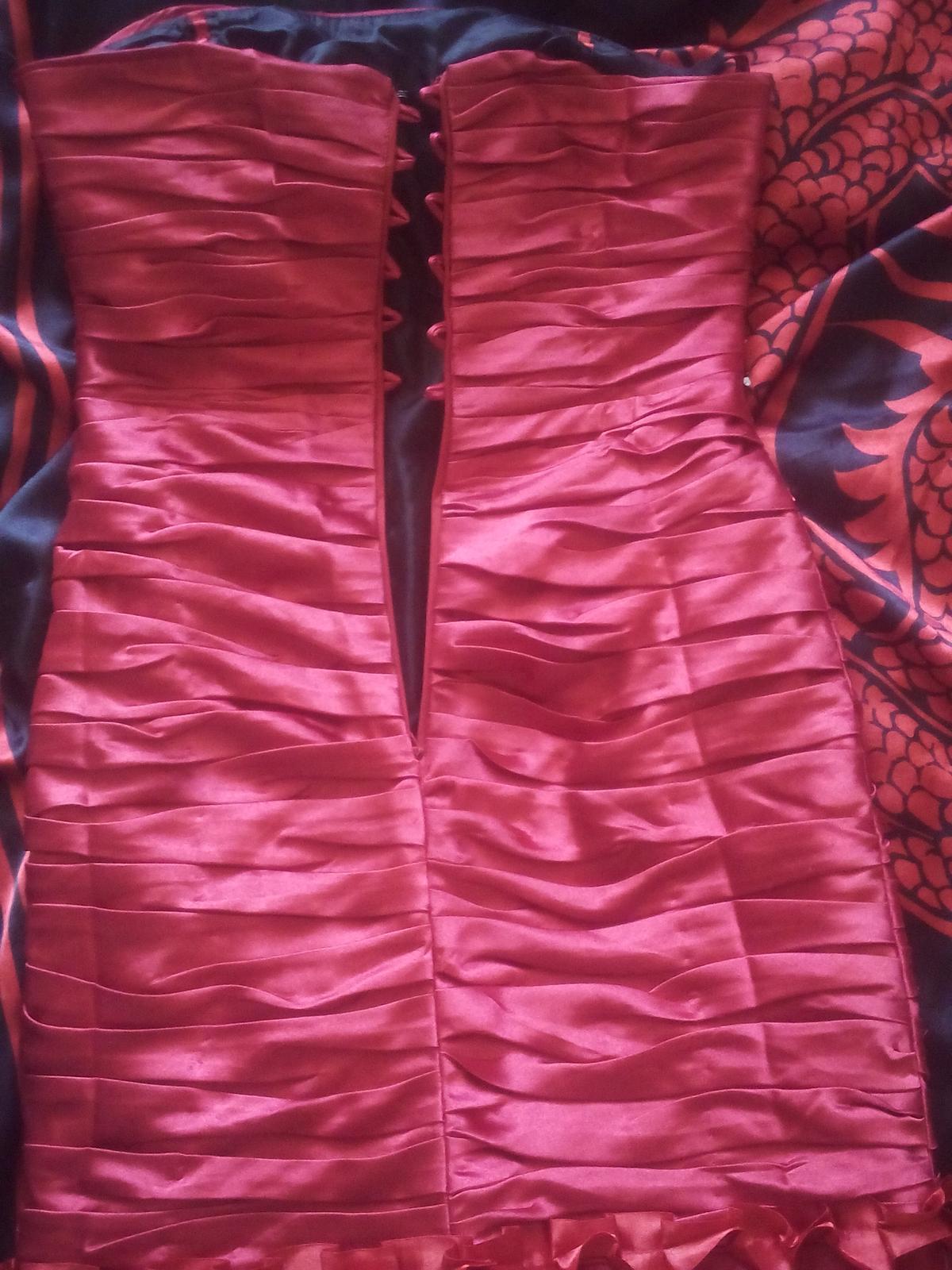 Cervene spolocenske saty - Obrázok č. 3