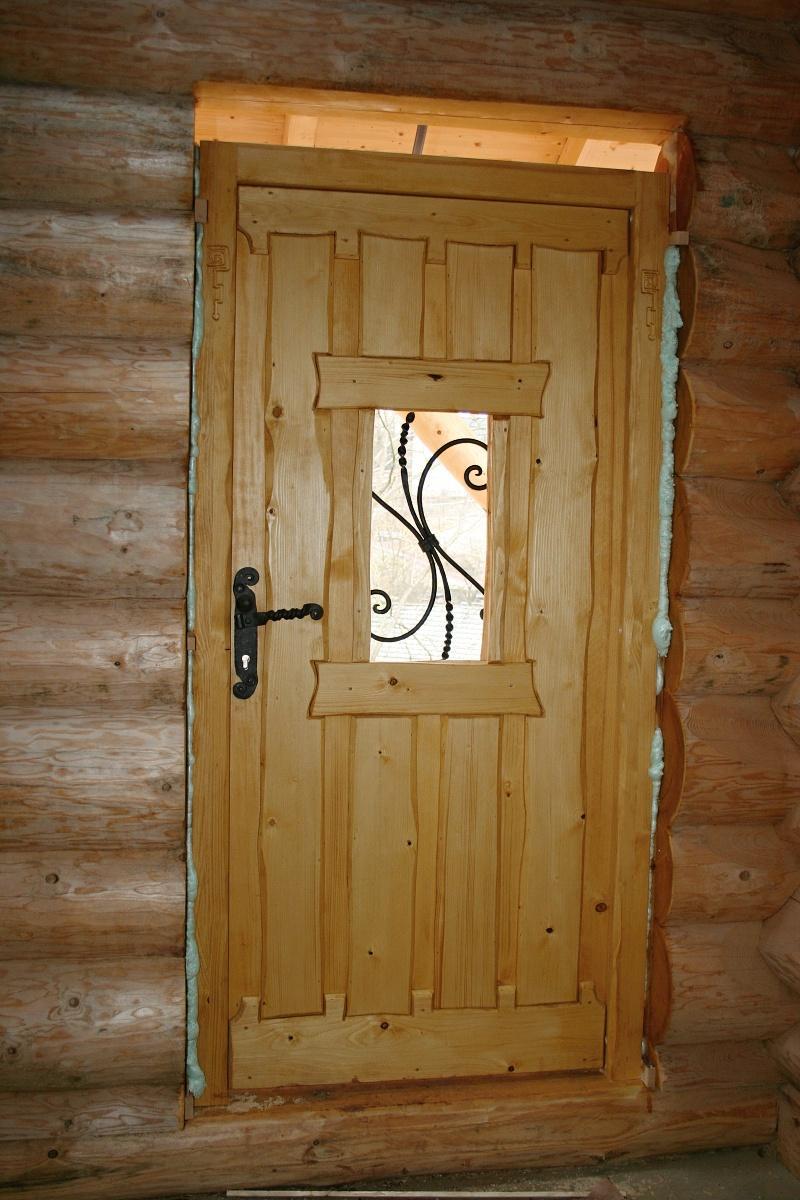 Stavba srubu - Hlavní vchodové dveře zevnitř