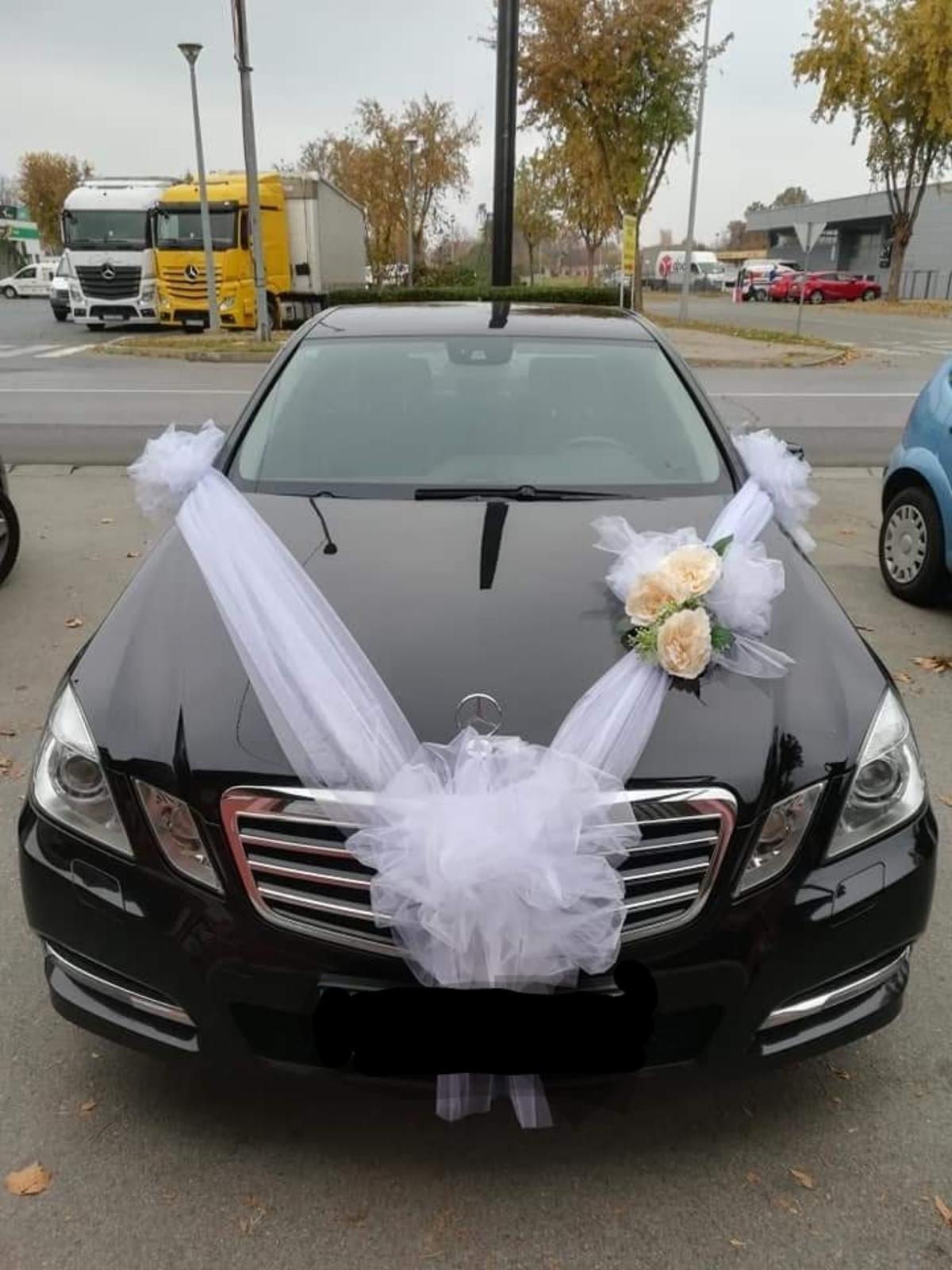 výzdoba svadobného auta - Obrázok č. 2