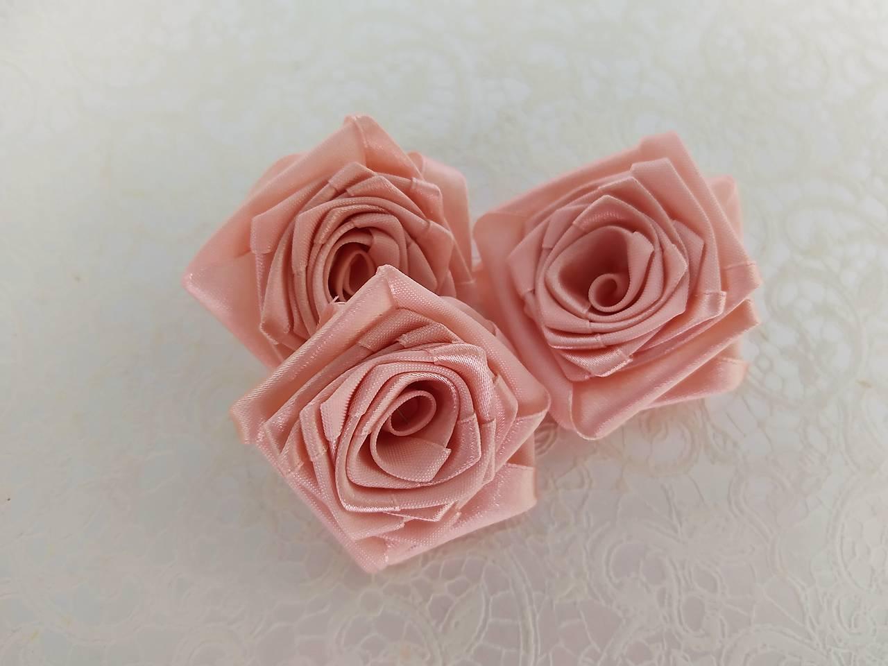 saténové ružičky - Obrázok č. 1