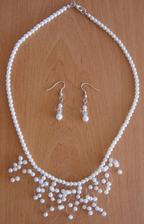 můj náhrdelník a naušnice