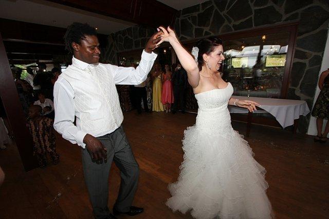 jana palova{{_AND_}}moyo benson - prvy tanec