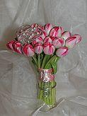 Růže jsou krásné, ale příliš běžné a okoukané...