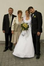 novomanželia a ženíchoví rodičia
