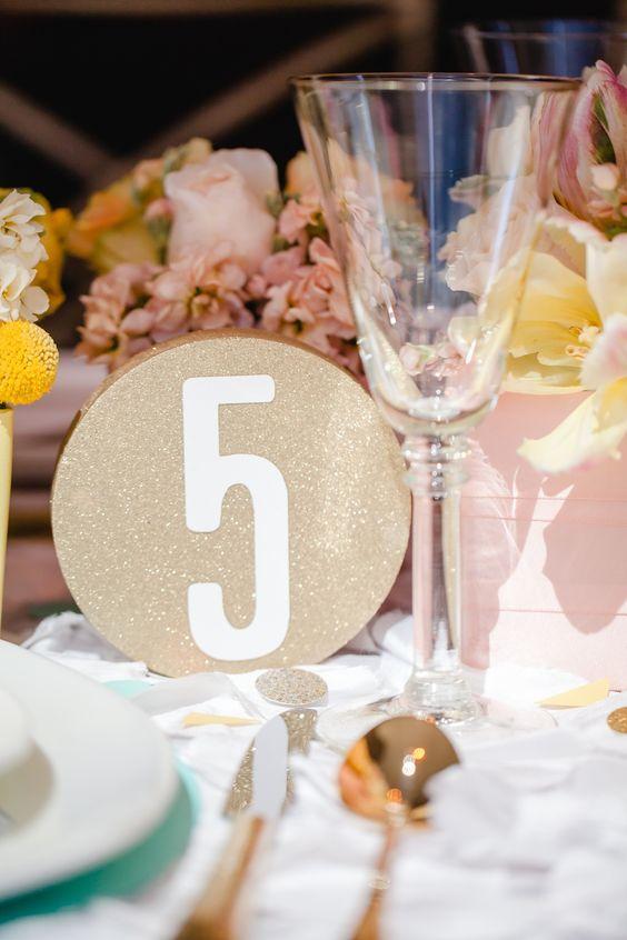 Nápady na číslování svatebních stolů - Obrázek č. 41