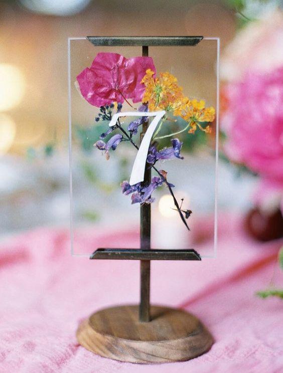 Nápady na číslování svatebních stolů - Obrázek č. 67