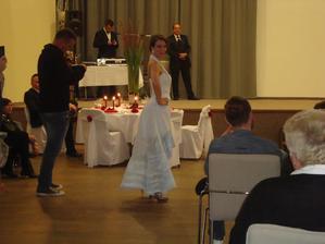 Svadobný salón ĽUBICA Piešťany - ručne maľované šaty