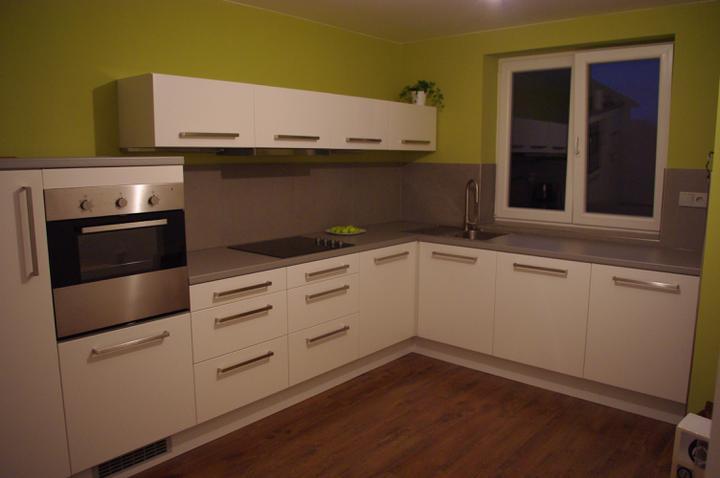 Moje milovane bungalovy - zariadenie, pôdorysy, rozloženie... - Pekne riesena kuchyna