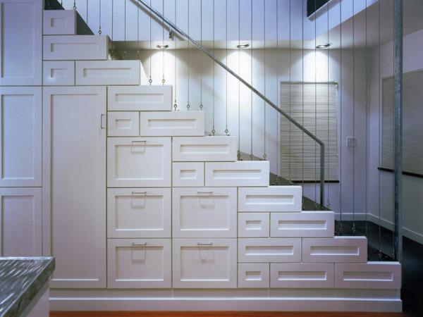 Pod schodami - Obrázok č. 1