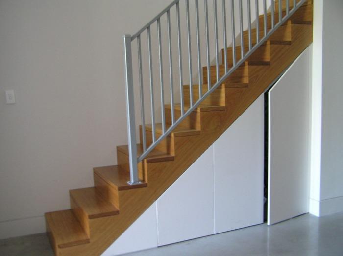 Pod schodami - Obrázok č. 4