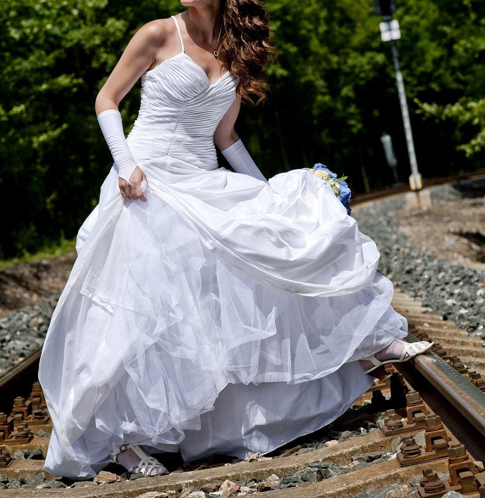 Svatební šaty Nana Couture - Obrázek č. 1