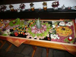 nádherné stolování - raut