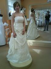 v jednoduchosti je krása ale svatba byla na zámku... tak sem vybrala jiné