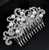 Hreben do vlasov s perlami,