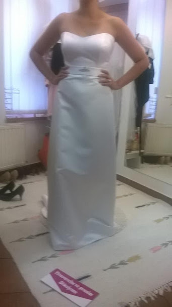 Netradiční svatební šaty - Obrázek č. 1