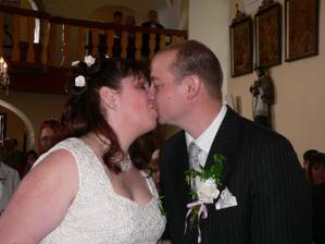 a první novomanželský