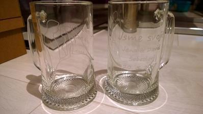 Jelikoz si radeji dame pivko nezli vino, tak svatebni pullitry :)