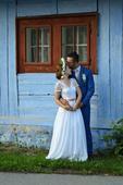 Ľahučké svadobné šaty, 36