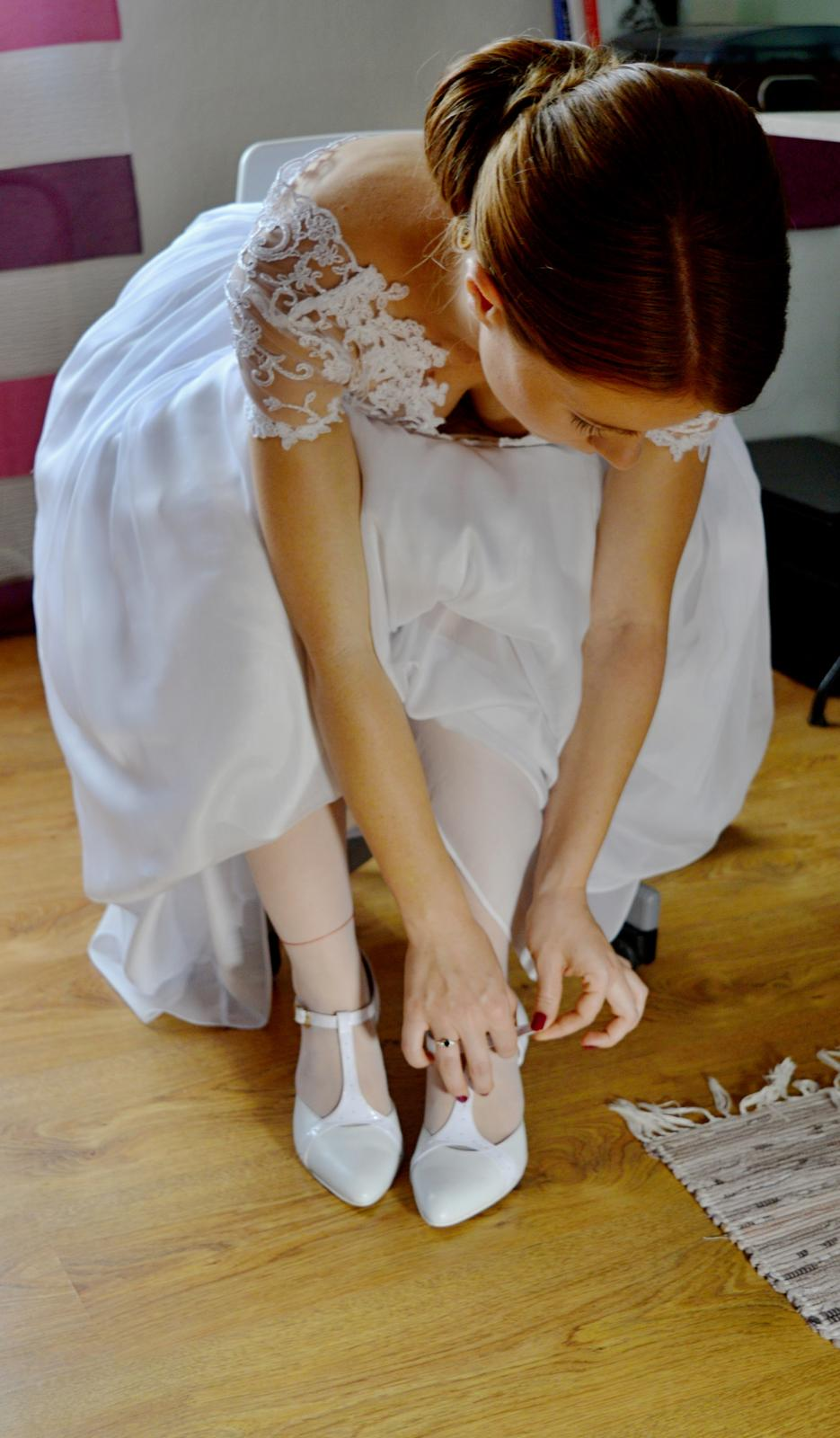 Ľahučké svadobné šaty - Obrázok č. 2