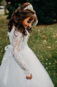 Princeznovské šaty pre nízku postavu s vlečkou, 36