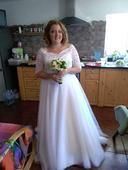 Kraásné svatební šaty, 44