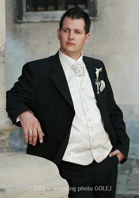 Elca{{_AND_}}Daniel -  Tu je!!! Práve sa Vám prezentuje jesenný model svadobného obleku:-))))